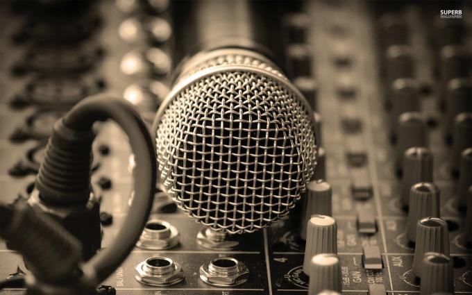 microphone-19139-1920x12002