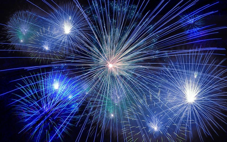fireworks-574739_960_720.jpg
